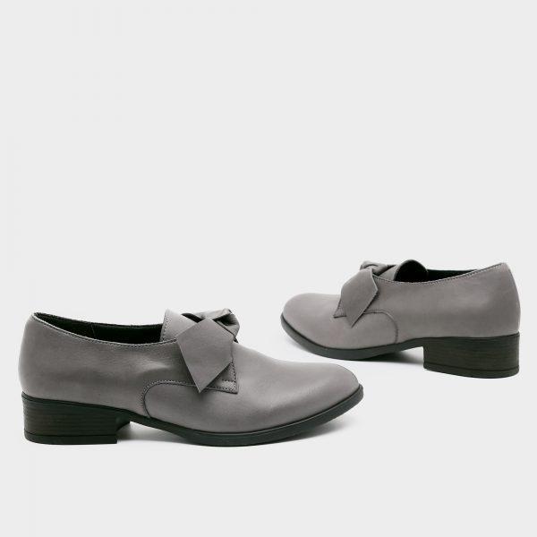 בלעדי לאתר - דגם קרלי: נעליים בצבע אפור – B.unique