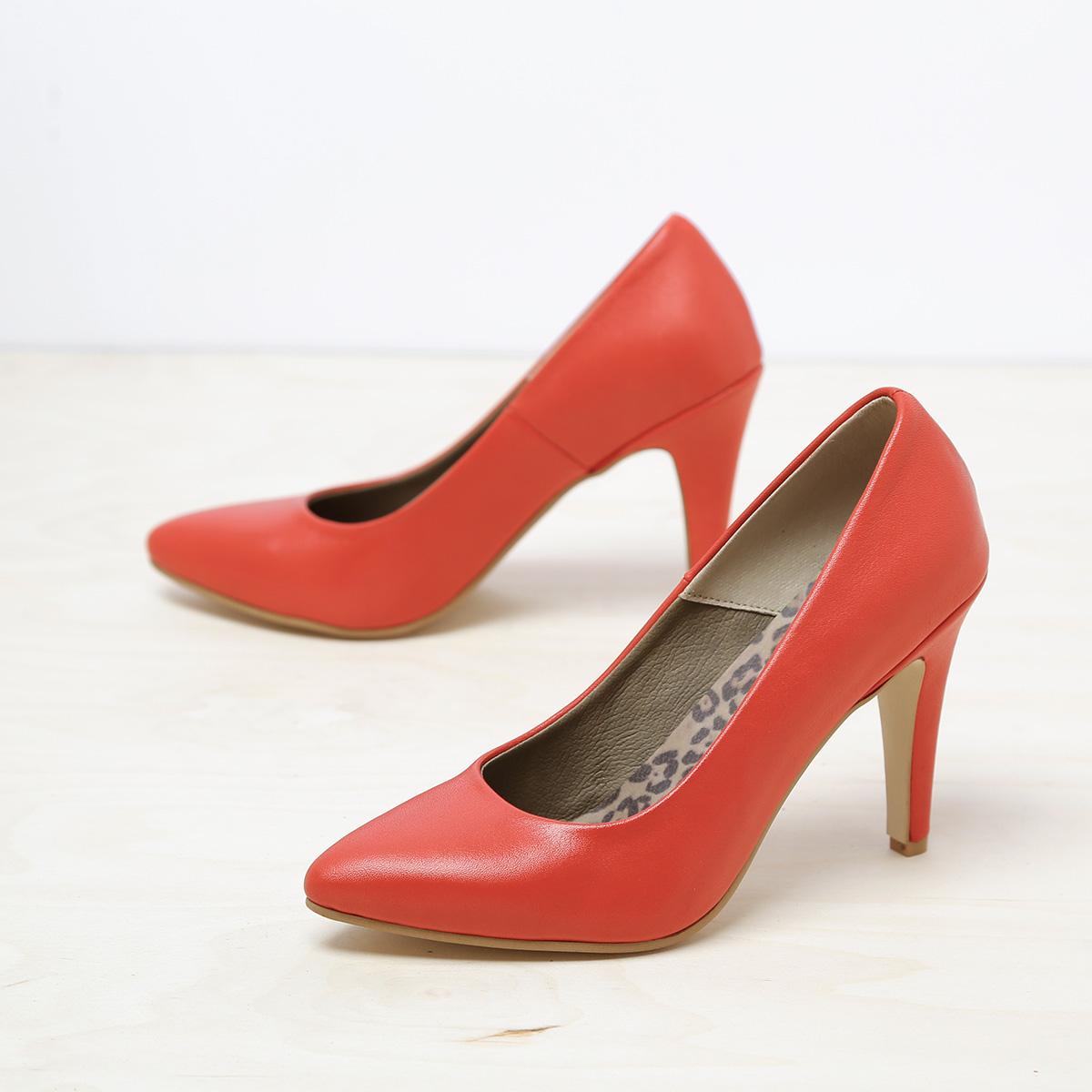 דגם בריסל: נעל עקב בצבע אדום – B.unique