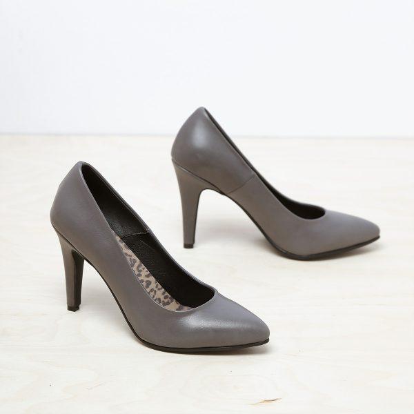דגם בריסל: נעל עקב בצבע אפור – B.unique