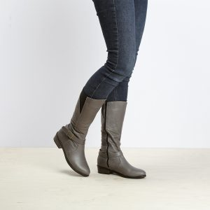 בלעדי לאתר - דגם באלי: מגפיים לנשים בצבע אפור - B.unique