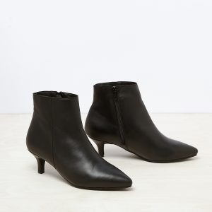 דגם מנהטן: מגפונים לנשים בצבע שחור - B.unique