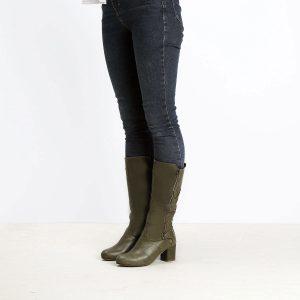 דגם שוויץ: מגפיים לנשים בצבע ירוק זית – B.unique