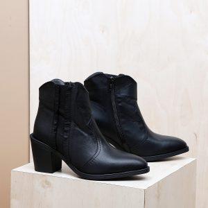 דגם טוסקנה: מגפונים לנשים בצבע שחור  – B.unique