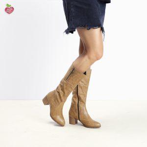 בלעדי לאתר - דגם פייטון: מגפיים טבעוניים לנשים בצבע קאמל - MIZU