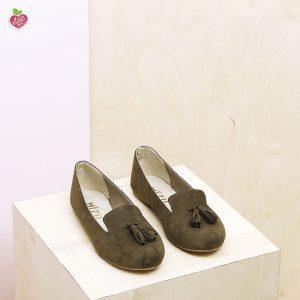 דגם צ'סטר: נעלי בובה טבעוניות בצבע ירוק זית - MIZU