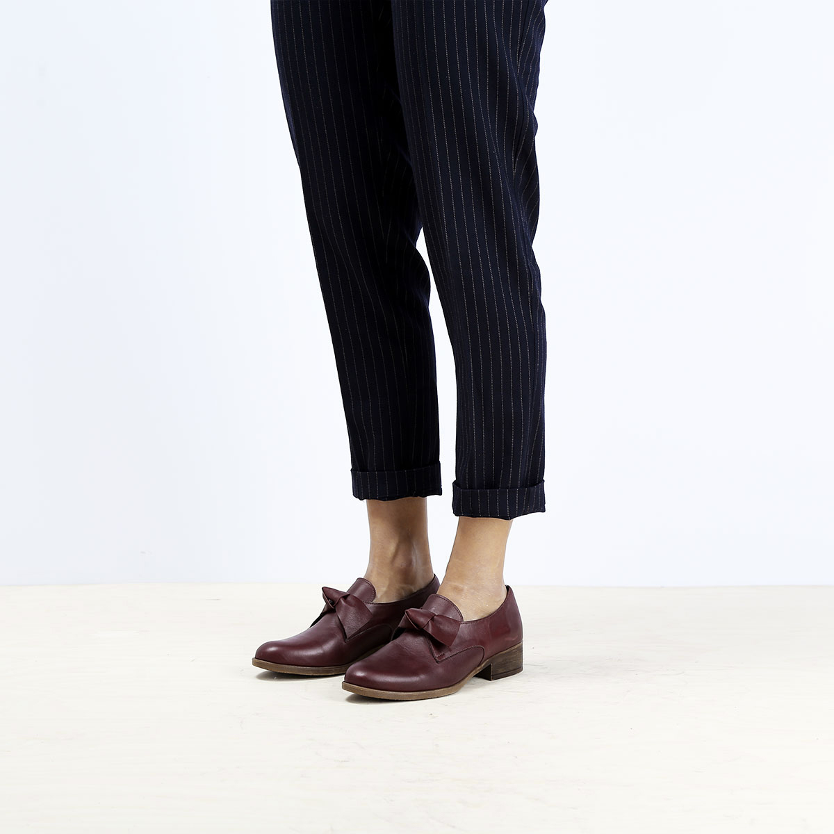 בלעדי לאתר - דגם קרלי: נעלי אוקספורד לנשים