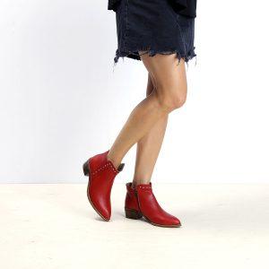 דגם וורונה: מגפונים לנשים בצבע אדום - B.unique
