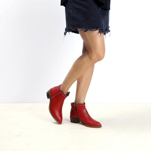 דגם וורונה: מגפונים לנשים בצבע אדום