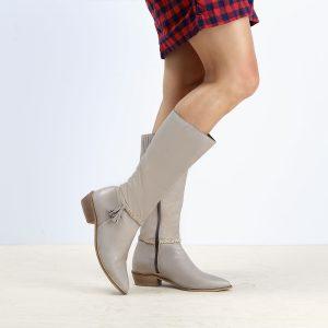 דגם ספרד: מגפיים לנשים בצבע טאופ- B.unique