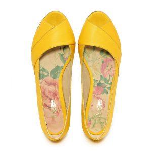 דגם שנהב: נעלי סירה בצבע צהוב - B.unique