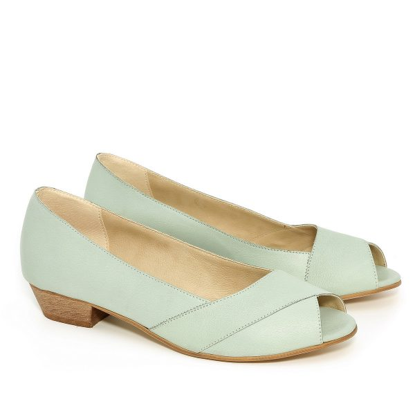 דגם שנהב: נעלי סירה בצבע מנטה - B.unique