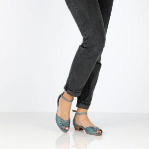דגם ענבר: נעלי עקב בצבע ג'ינס - B.unique