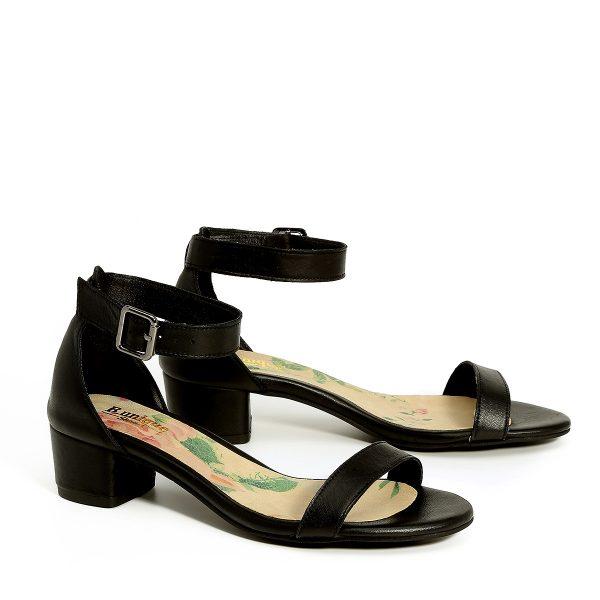 דגם דליה: נעלי עקב בצבע שחור - B.unique