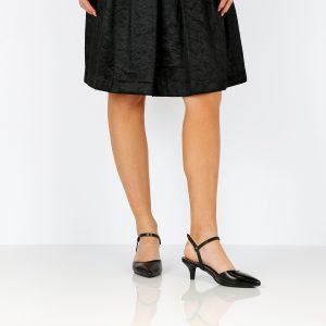 דגם ליב: סנדלי עקב בצבע שחור - B.unique