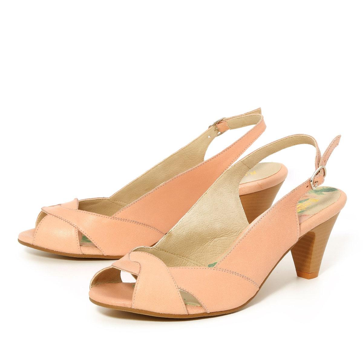 דגם לימור: נעלי עקב בצבע פודרה