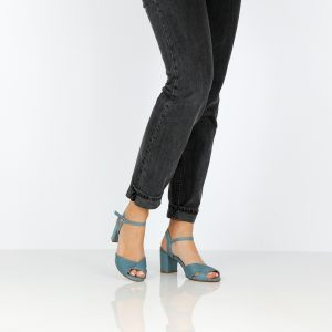 דגם גילה: סנדלי נשים בצבע ג'ינס - B.unique