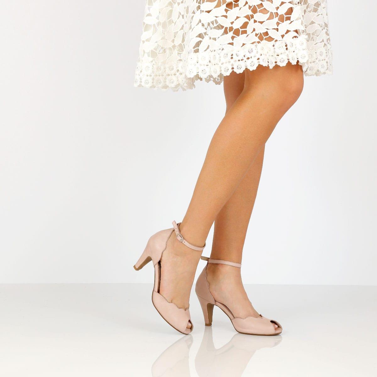 דגם ליטל: נעלי עקב בצבע ניוד