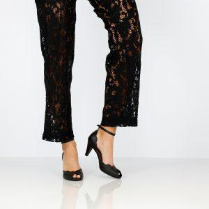 דגם ליטל: נעלי עקב בצבע שחור - B.unique