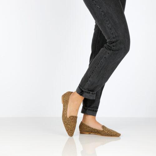 דגם מאיה: נעליים שטוחות בצבע שחור