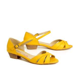 בלעדי לאתר - דגם עופרי: סנדלים בצבע צהוב - B.unique