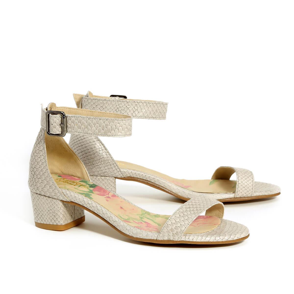 דגם דליה: נעלי עקב בצבע אפור