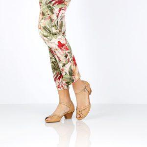 בלעדי לאתר - דגם רויטל: סנדלים בצבע קאמל - B.unique