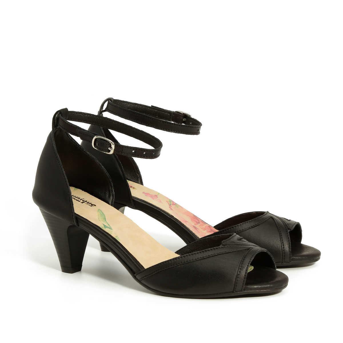 בלעדי לאתר - דגם אושרת: נעלי עקב בצבע שחור
