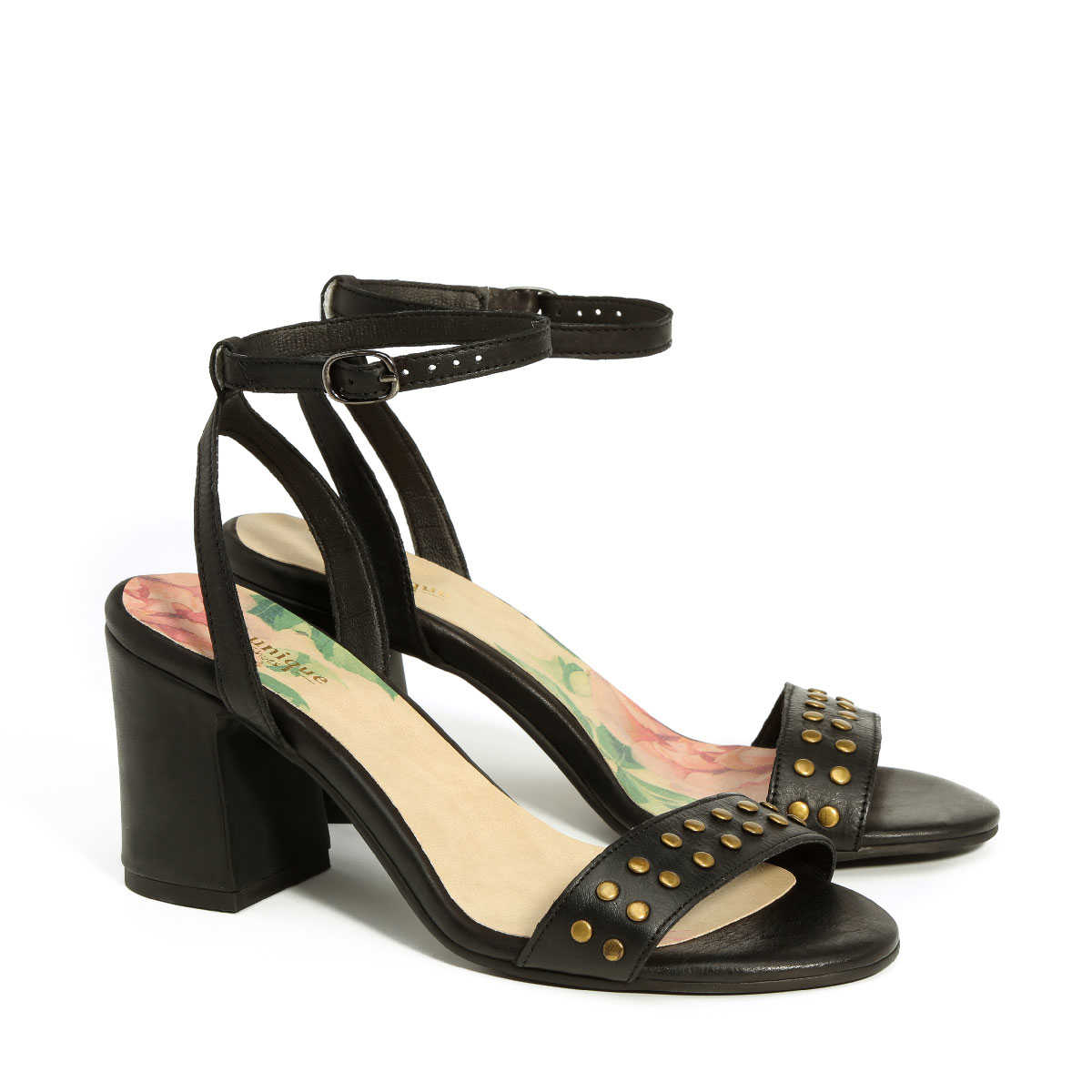 בלעדי לאתר - דגם אמה: נעלי עקב בצבע שחור