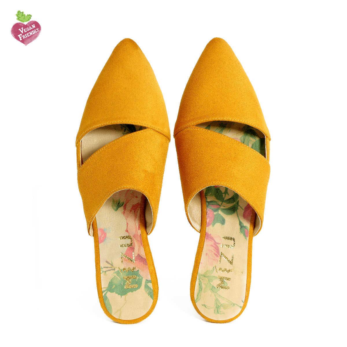 דגם ניב: כפכפים טבעוניים בצבע צהוב