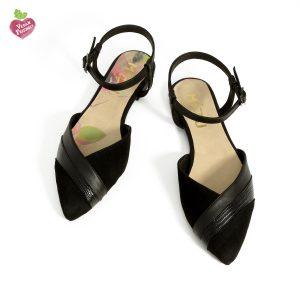 בלעדי לאתר - דגם אריאל: סנדלים טבעוניים בצבע שחור - MIZU
