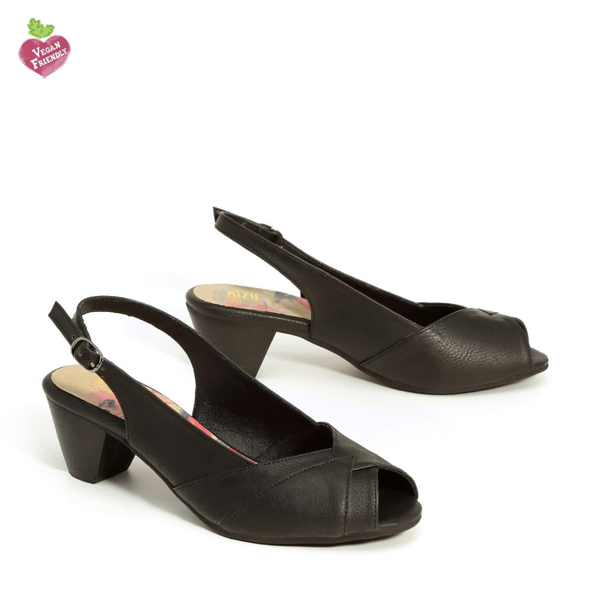 בלעדי לאתר - דגם ירדן: נעלי עקב טבעוניות בצבע שחור
