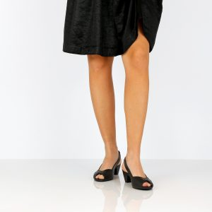 בלעדי לאתר - דגם ירדן: נעלי עקב טבעוניות בצבע שחור - MIZU