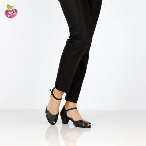 בלעדי לאתר - דגם נעמה: סנדלי עקב טבעוניים בצבע שחור - MIZU
