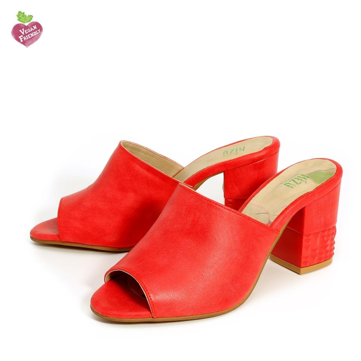 דגם קים: נעלי עקב טבעוניות בצבע אדום