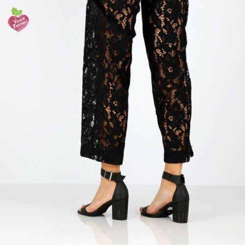 דגם מורין: נעלי עקב טבעוניות בצבע טאופ