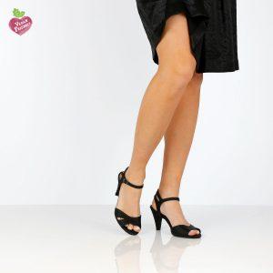 בלעדי לאתר - דגם מיטל: סנדלי עקב טבעוניים בצבע שחור - MIZU