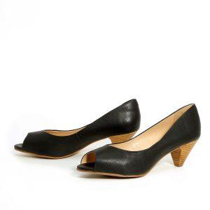 דגם ענבל: נעלי עקב בצבע שחור - Rebecca Ashley