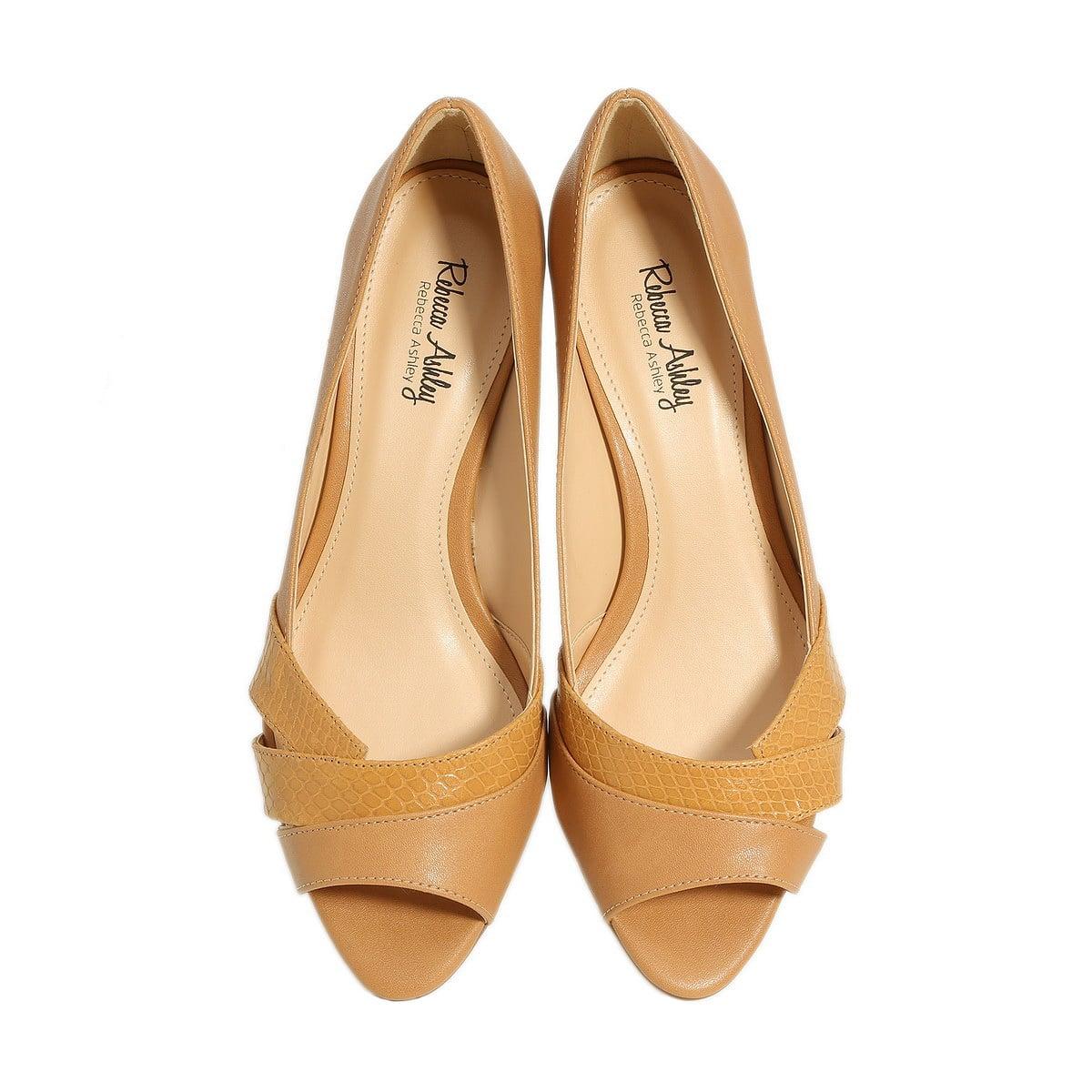 דגם עינת: נעלי עקב בצבע קאמל