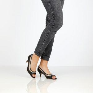 דגם נוף: נעלי עקב בצבע שחור - Rebecca Ashley