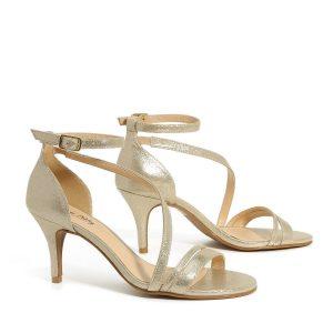 דגם שירה: נעלי עקב בצבע זהב - Rebecca Ashley