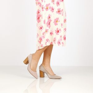 דגם פלג: נעלי עקב בצבע בז' - Rebecca Ashley