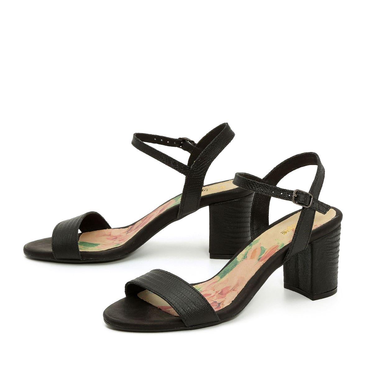 בלעדי לאתר - דגם רינת: נעלי עקב בצבע שחור