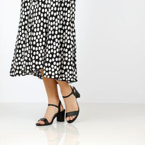 בלעדי לאתר - דגם רינת: נעלי עקב בצבע שחור - B.unique