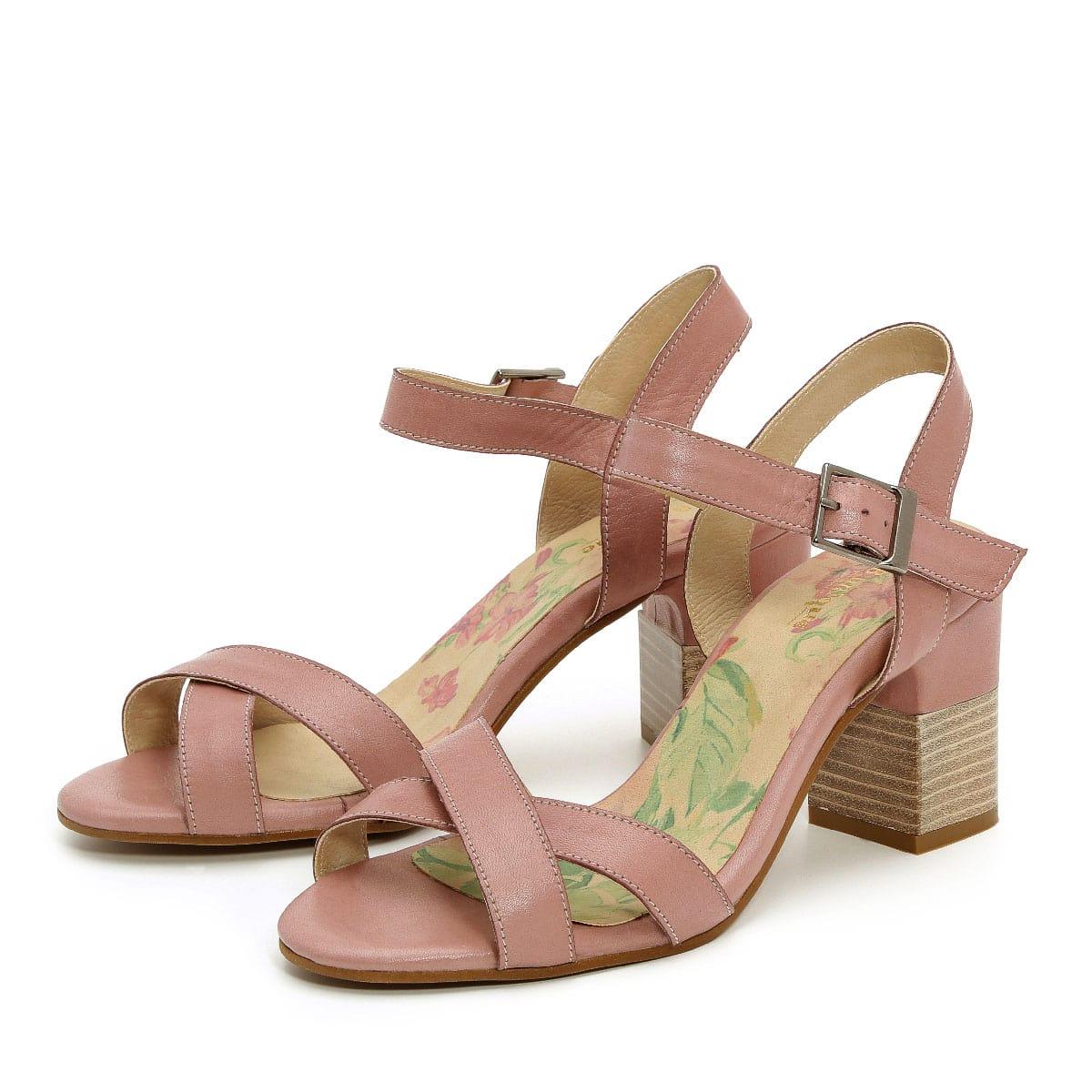 דגם דפני: נעלי עקב בצבע סגול