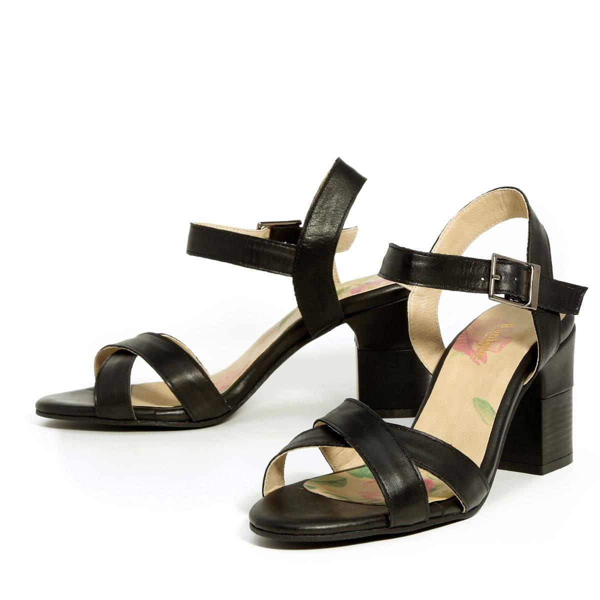דגם דפני: נעלי עקב בצבע שחור