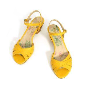 בלעדי לאתר - דגם אסתי: סנדלי עקב בצבע צהוב - B.unique