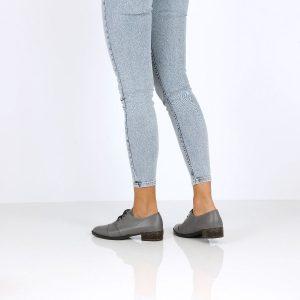 בלעדי לאתר - דגם אלונה: נעלי אוקספורד בצבע קאמל - B.unique
