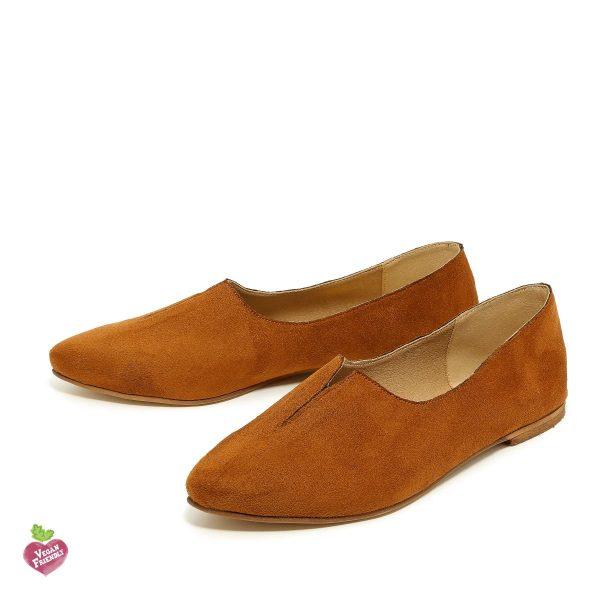 דגם קלואי: נעלי שפיץ טבעוניות בצבע קאמל - MIZU