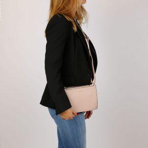 דגם דרור: תיק צד לנשים בצבע ורוד