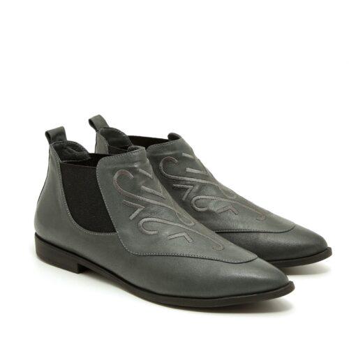 דגם רובי: נעלי שפיץ לנשים
